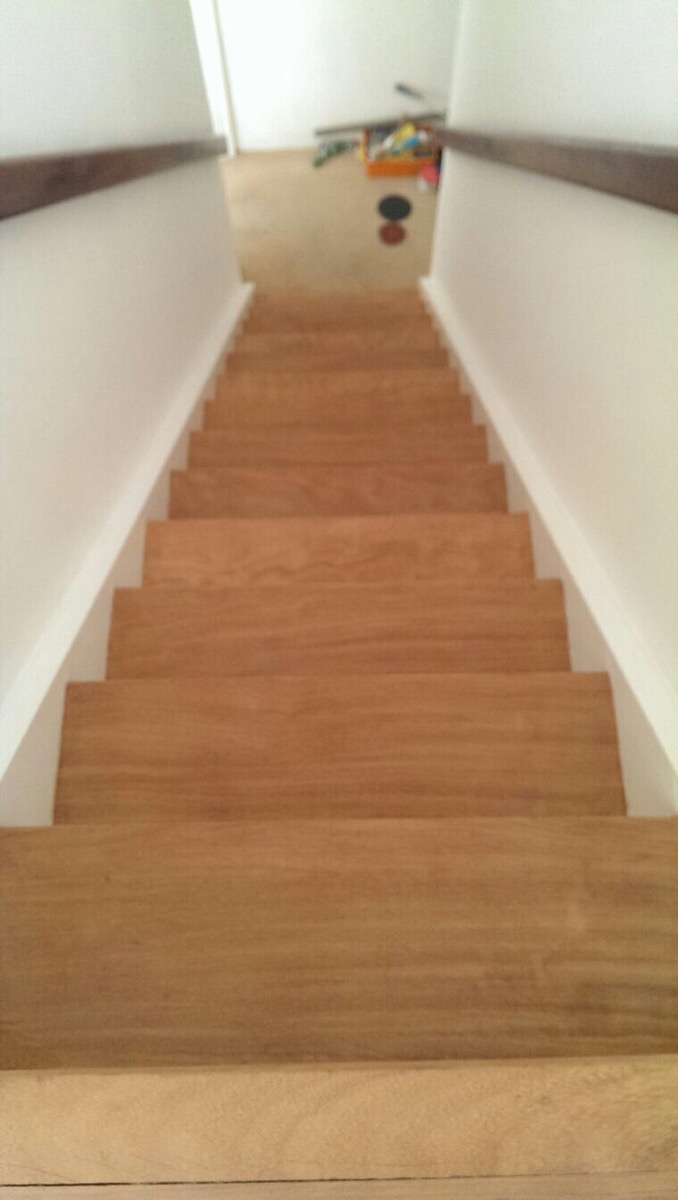 wooden-stairs-sanding-process